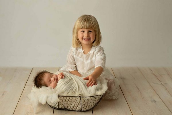 Newborn family photo session